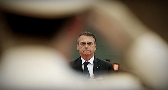 Decreto de Bolsonaro armas de fogo beneficia milícias