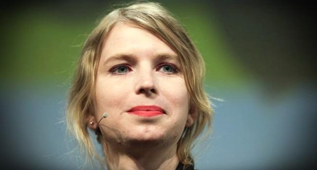 Ex-analista de inteligência Chelsea Manning é libertada nos EUA