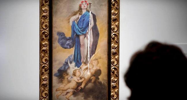 fúria de conservadores quadro simula virgem seminua aparece destruído