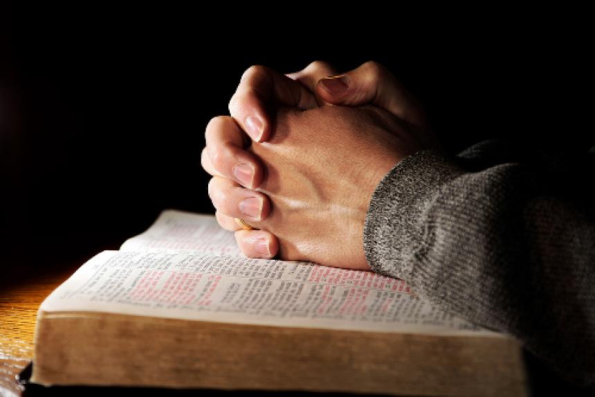 pastor abusa de jovens