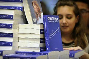 livro-de-cristina-kirchner-bate-recorde-de-vendas-na-argentina