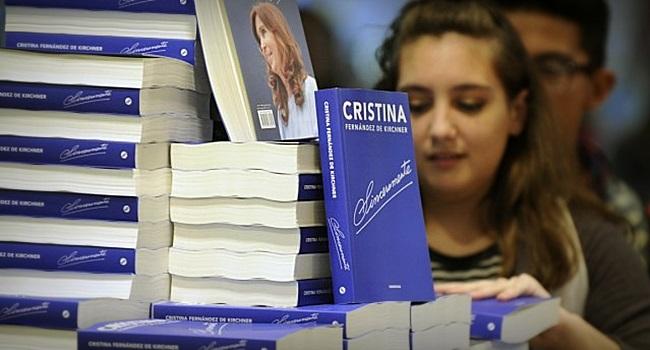 livro de cristina kirchner recorde vendas argentina política esquerda