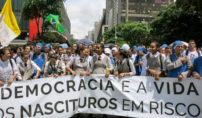 lobby pró-aborto avança Brasil parlamentares pressionados