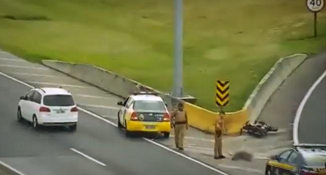 PMs flagrados plantando arma motociclista morto curitiba paraná