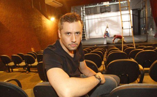 teatrólogo Roberto Alvim