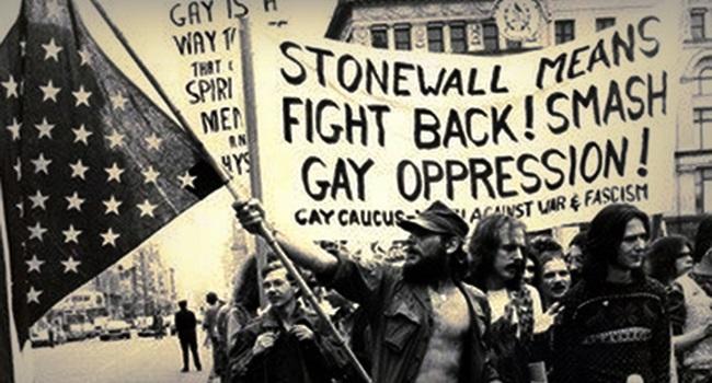Stonewall à Parada do Orgulho LGBT+ luta manifestações