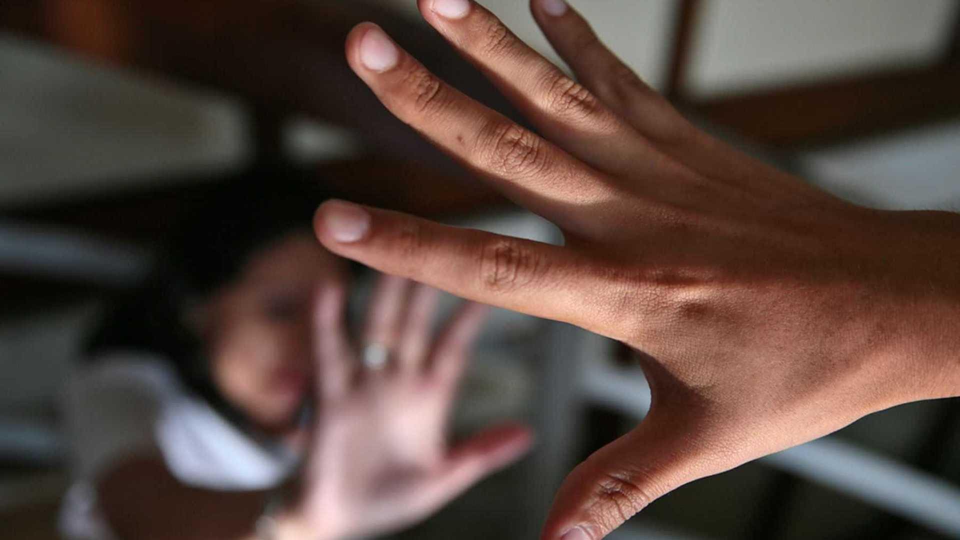 menina 5 anos paralisia estupro