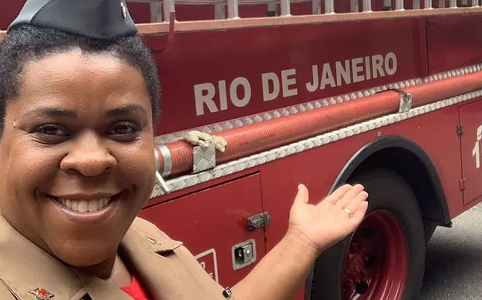 atriz Cacau Protásio bombeiros