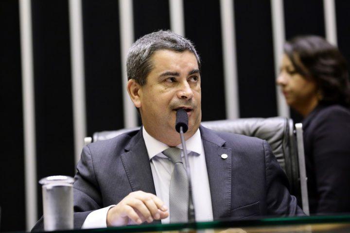 """Ando Preferindo Ter Paz Do: Deputado Do PSL Deseja A """"morte De Lula"""" Para O Brasil"""