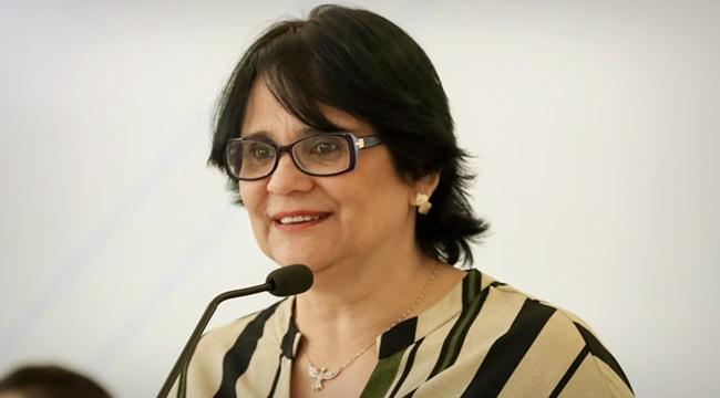 Damares Alves demonstra força pobres preocupa esquerda