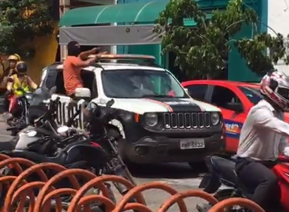 policiais encapuzados ceará