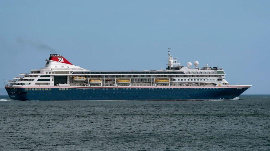 Navio britânico cuba coronavírus