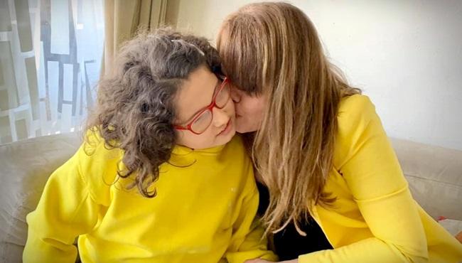 coronavírus isolamento filha morde bate autoflagela autismo confinamento