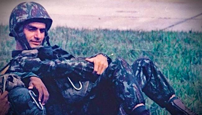 Bolsonaro odeia Exército alto oficial forças armadas