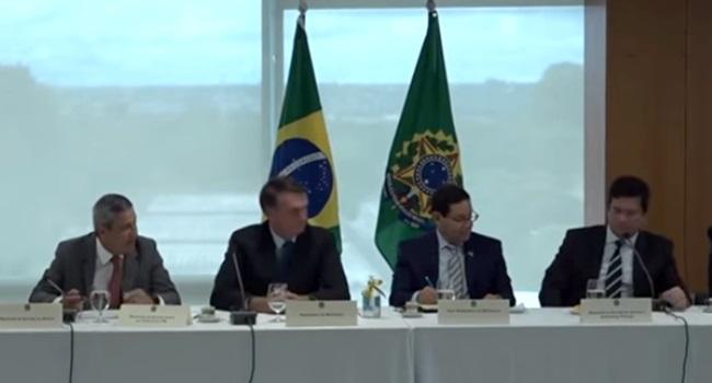 reunião ministerial live emocionante pandemia coronavírus governo bolsonaro