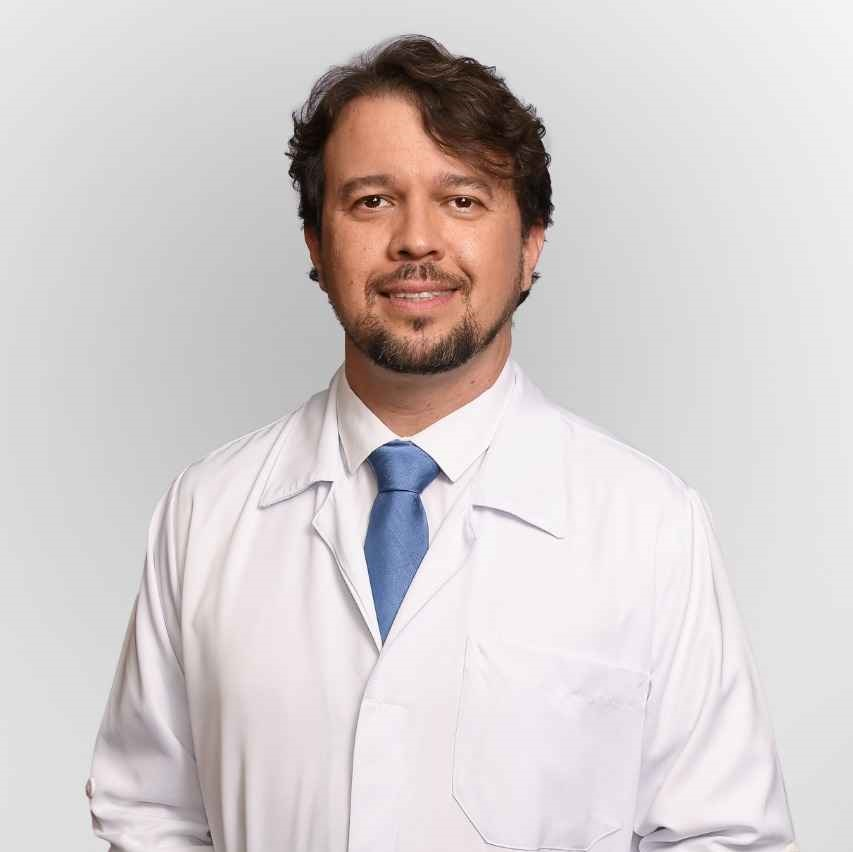 médico Gustavo Deboni