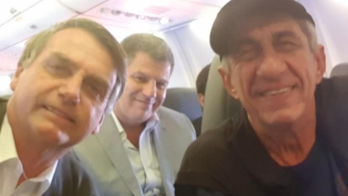 FAgner Bolsonaro avião