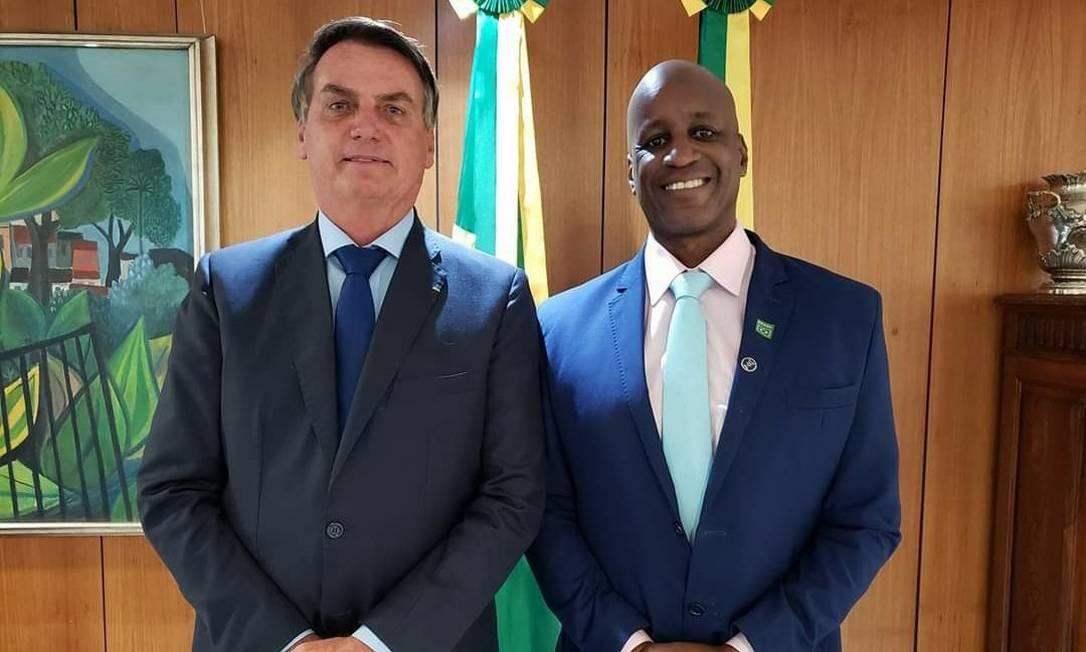 Bolsonaro e Sérgio Camargo