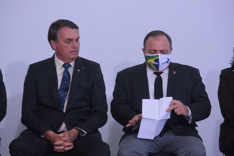 Bolsonaro generais Pazuello
