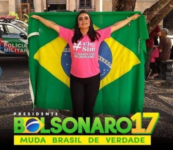 cantora Roci Mendonça