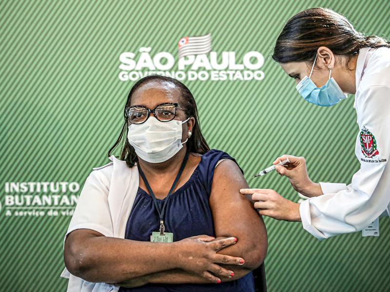 primeira vacinada do brasil
