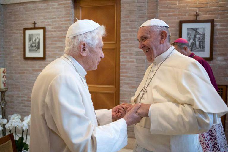 Papa Francisco Papa Bento vacina