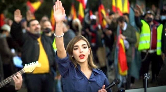 Isabel Peralta cadela do fascismo está sempre no cio