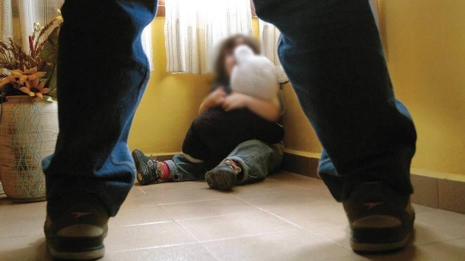 pais filhos abusos estupro
