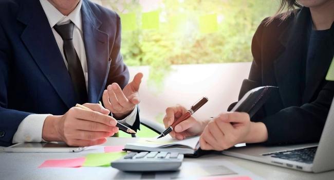 Escolha consultor financeiro economia mercado organização metas