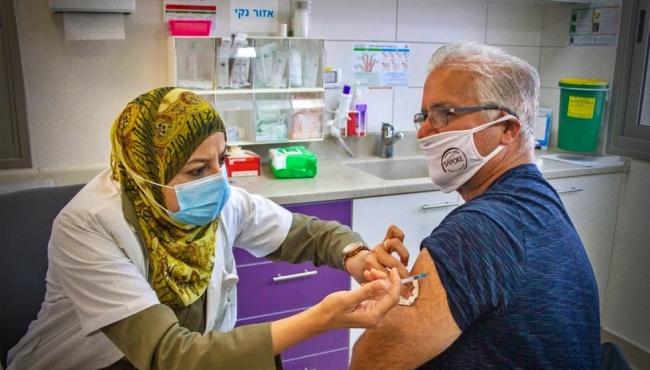 Israel tem queda de casos e internações por Covid-19 vacinação em massa