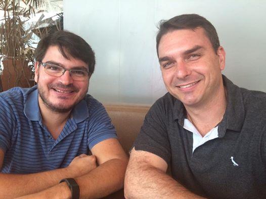 Constantino e Flávio Bolsonaro