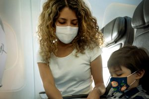 dicas-viajar-de-aviao-filhos-durante-pandemia1