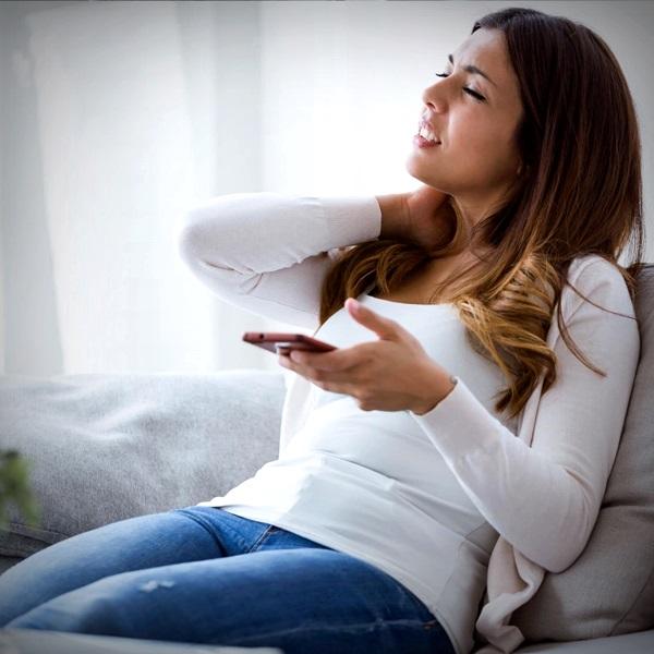 Dor do celular aparelho danificar pescoço coluna saúde