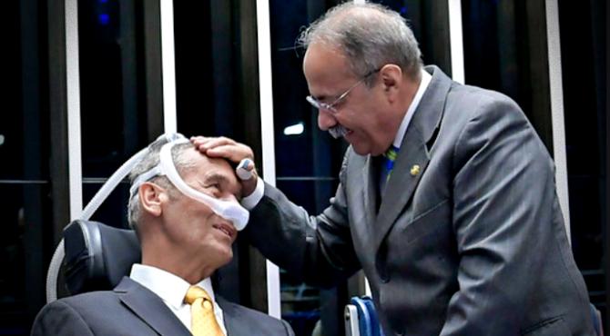 General Villas Bôas elogia senador flagrado mil cueca dem roraima