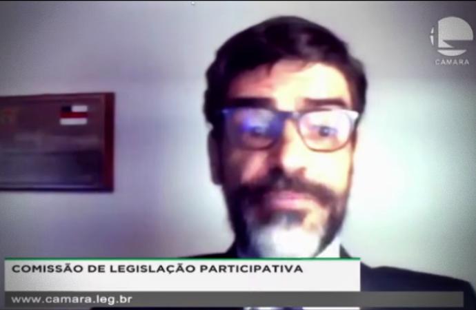 Apoiadores Bolsonaro impedem delegado Alexandre Saraiva gritos