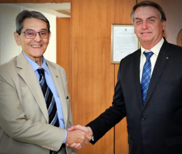 Bolsonaro usa Roberto Jefferson para dizer corrupção governo