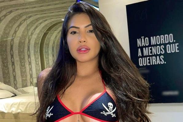 Ayarla Souza