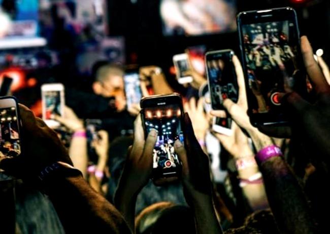 Redes sociais tempo de vida fake news manipulação pandemia tecnologia