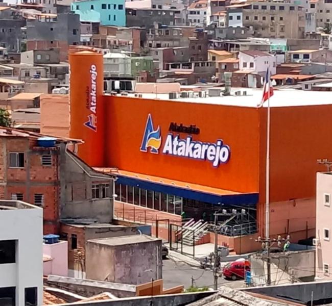 Adolescente torturada roubar comida supermercado Atakarejo salvador