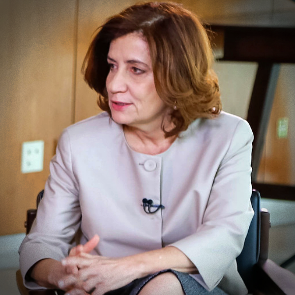 Miriam Leitão disputa Lula Bolsonaro extremistas