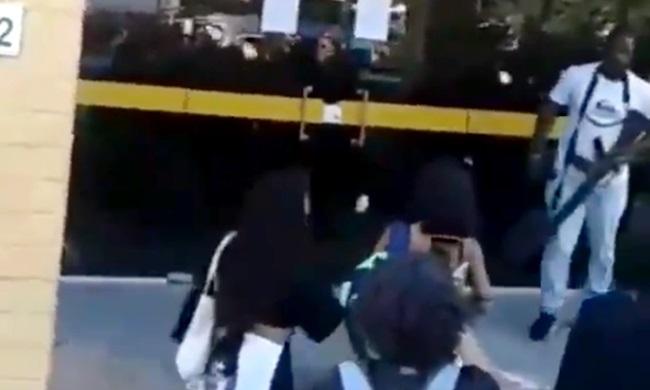 Policial atirou fuzil manifestação mulheres preso rio de janeiro
