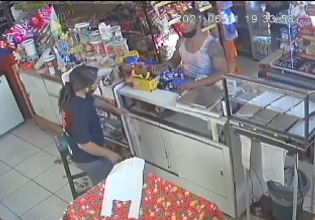funcionária cliente padaria agredida