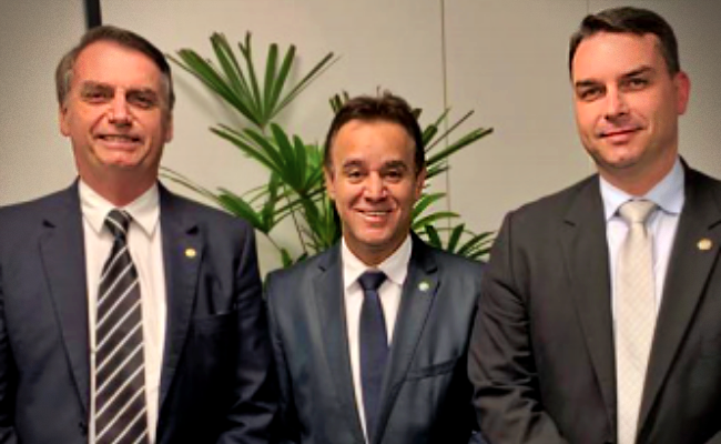Bolsonaro fecha Patriota eleições presidente passou oito partidos