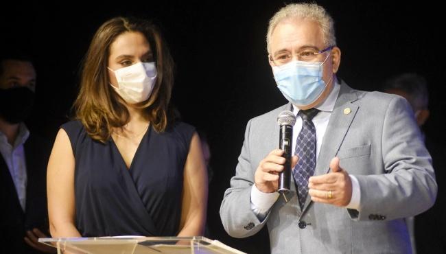 Luana Araújo infectologista mediocridade bolsonarismo CPI covid