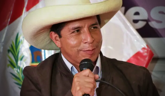 Castillo assume Presidência do Peru nesta quarta