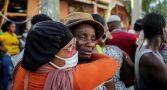 haiti-terremoto-hospitais-lotados-pessoas-feridas