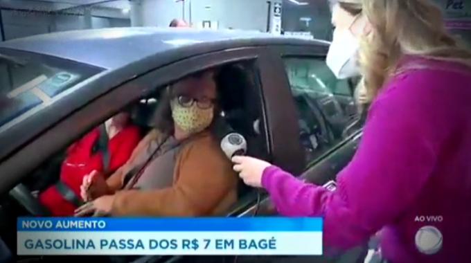 Mulher impeachment Bolsonaro ao vivo Record repórter desconversa