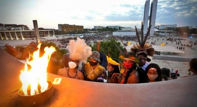 Brasil país mais perigoso mundo ambientalistas povos indígenas