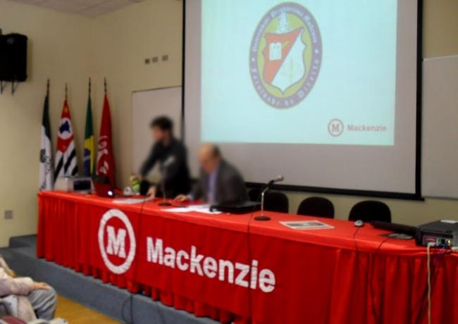 Estudante Mackenzie usa suástica para protestar contra vacinas