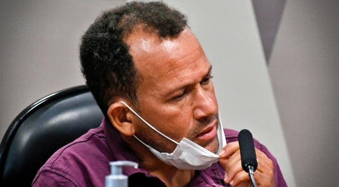 Motoboy Ivanildo Gonçalves produziu melhores cenas CPI da Pandemia